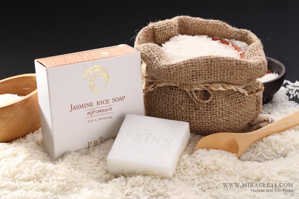 ถ่ายภาพสินค้า ผลิตภัณฑ์ เครื่องสำอาง สบู่ Jasmine Rice Soap