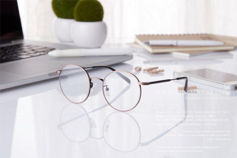 รับถ่ายภาพสินค้า ผลิตภัณฑ์ แว่นตา แฟชั่น GIFTGREATS